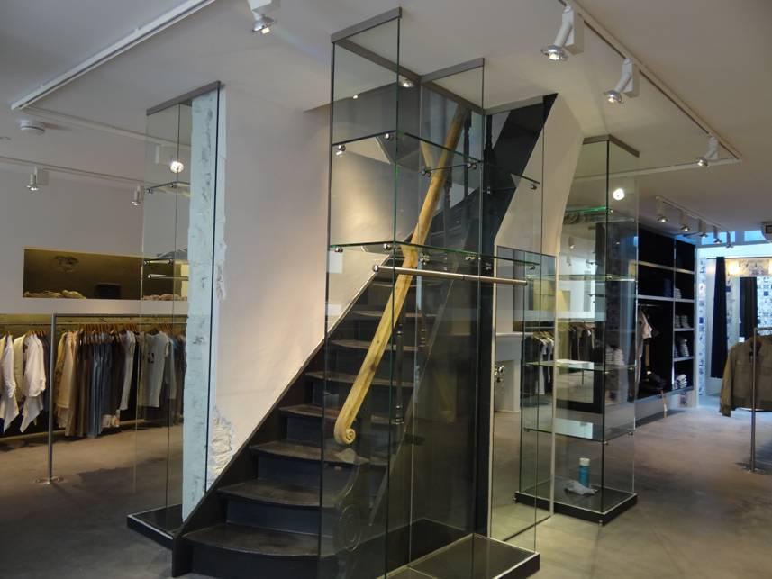 Trappen nieuwe trap in woning aannemer koopman bouw interieur - Interieur ontwerp trap ...